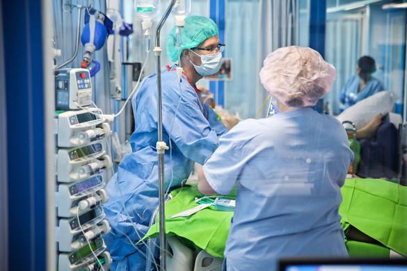 Orvosok és gyógyszerészek véleményére is számít a kormány