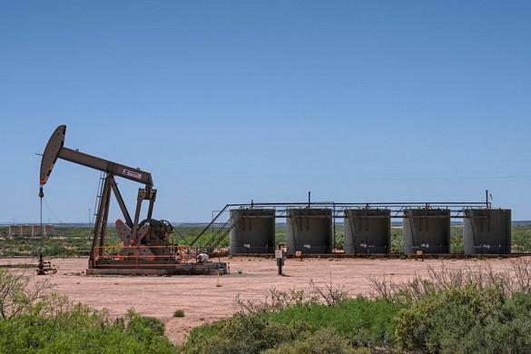 Tovább esik az olaj ára