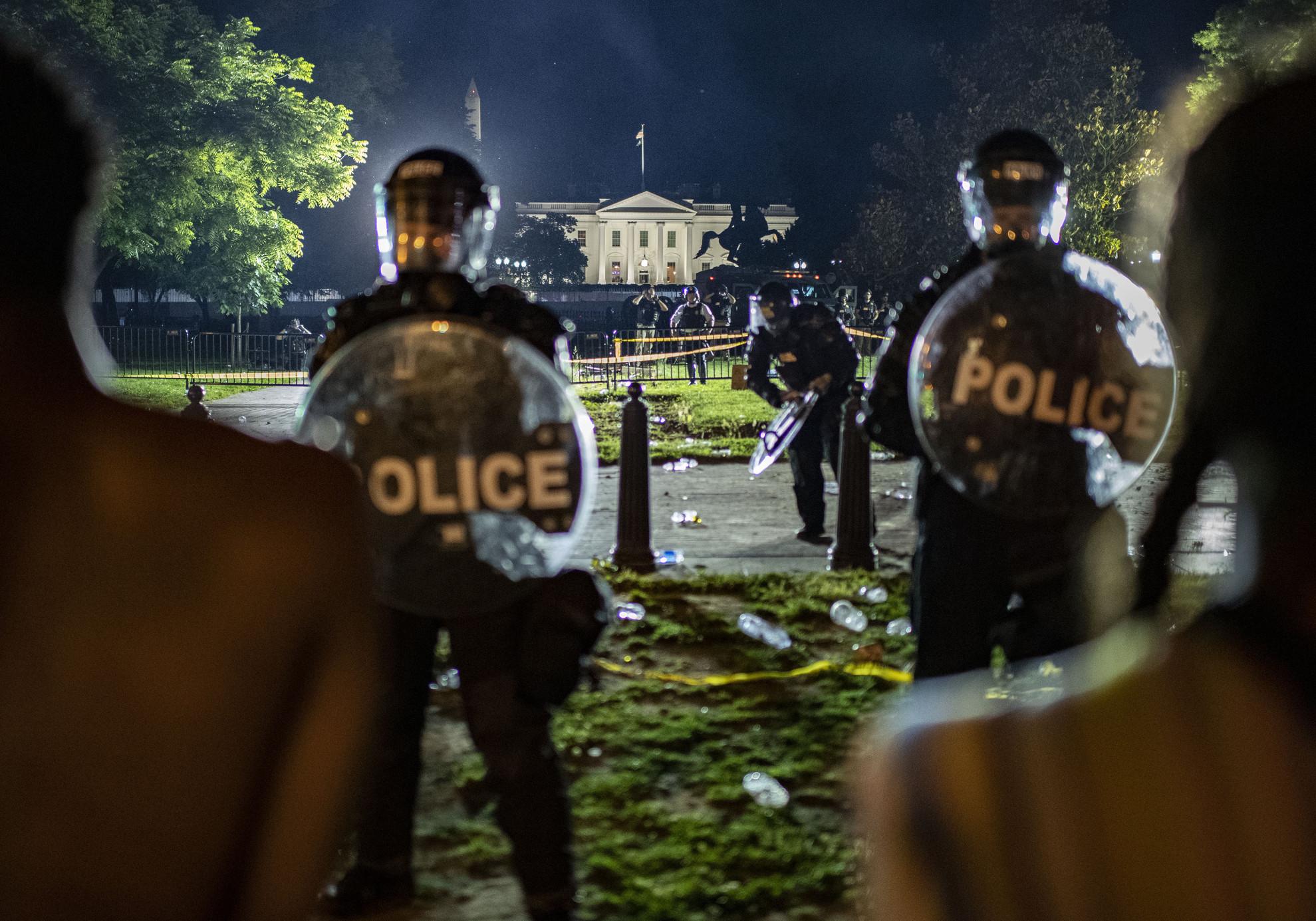 A Fehér Ház előtt eóis erőszakos megmozdulások szerveződtek