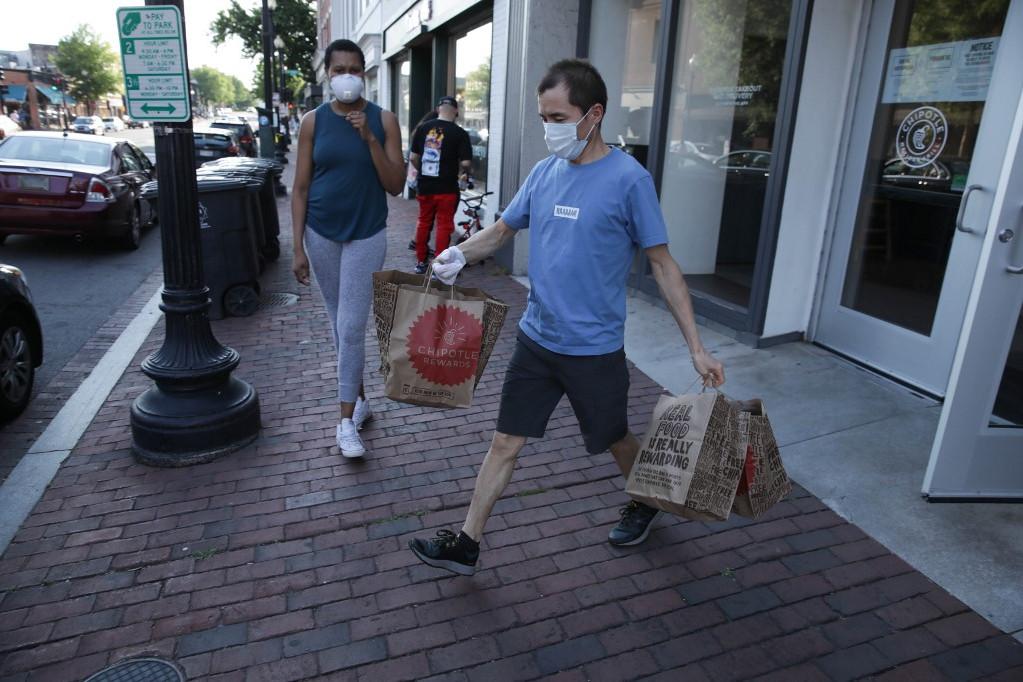 A legtöbb halálos áldozata a SARS-CoV-2 vírus okozta Covid-19 nevű betegségnek az Egyesült Államokban van