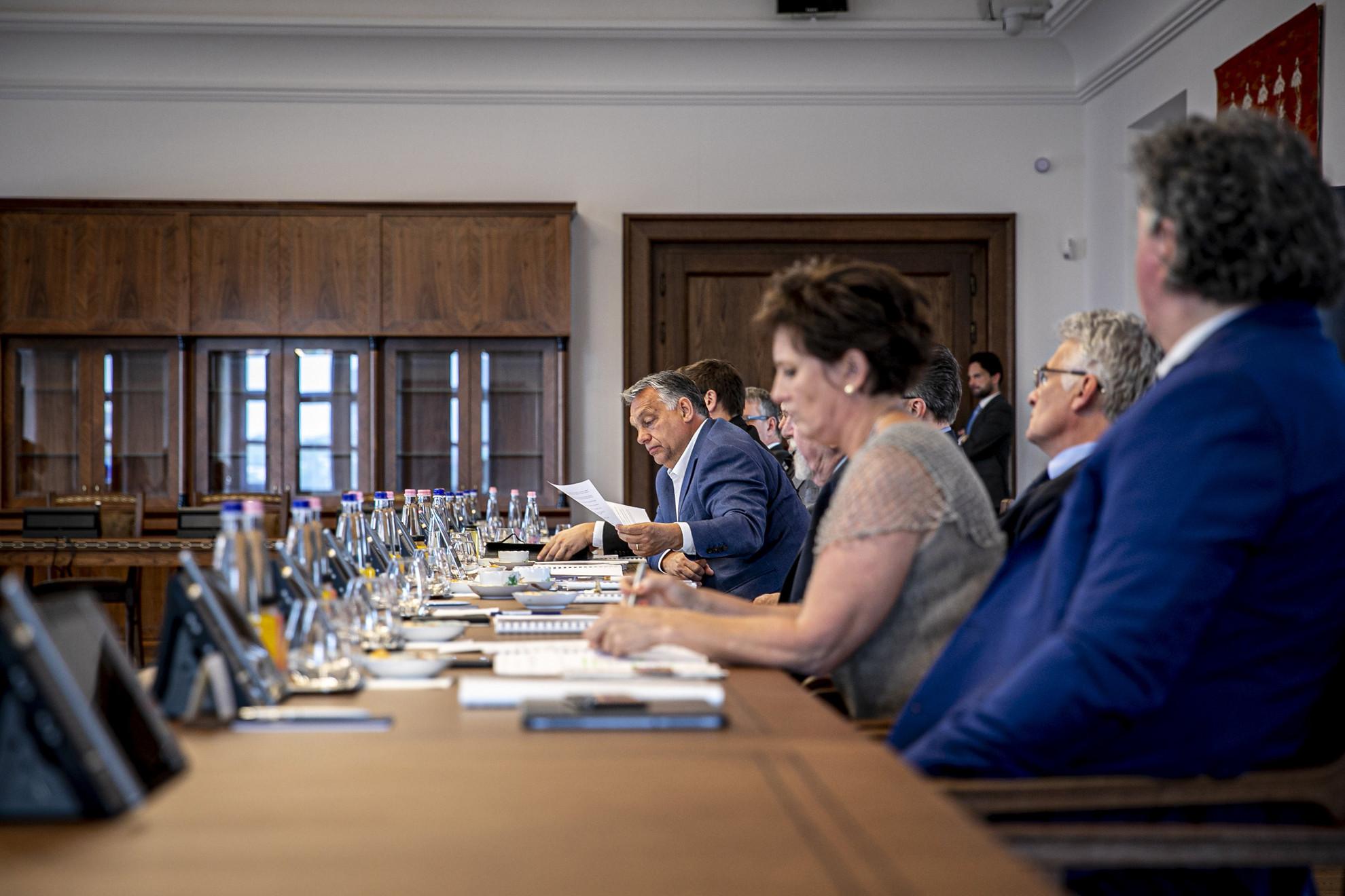 Orbán Viktor miniszterelnök a Nemzeti Kulturális Tanács (NKT) ülésén a Karmelita kolostorban 2020. május 23-án