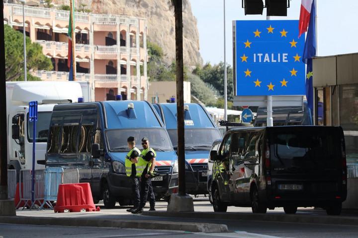 Az olasz külügyminiszter egyszerre nyitná meg Európa határait