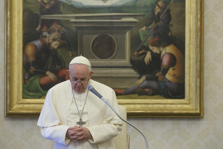 Az újságírókért imádkozott Ferenc pápa