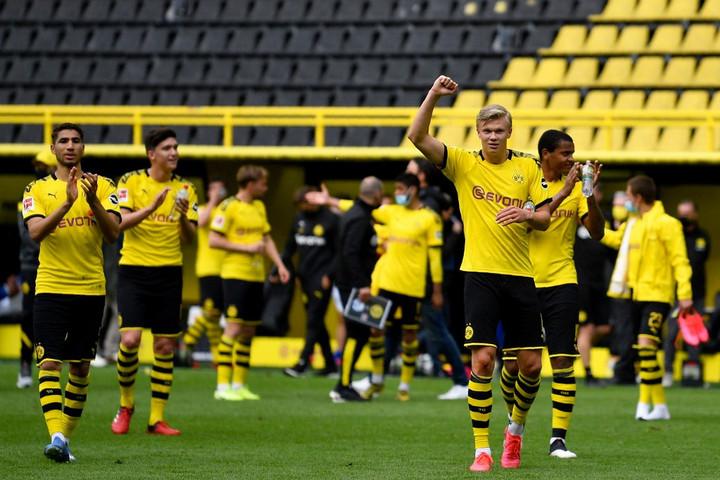 Hengerelt a Dortmund az újrakezdéskor, Gulácsiék nem bírtak Sallaiékkal