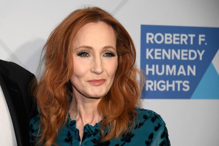 Ingyenesen publikálja új mesesorozatát J.K. Rowling