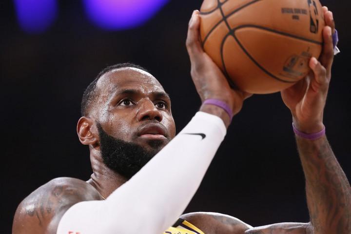 NBA sztárjátékosok a folytatás mellett
