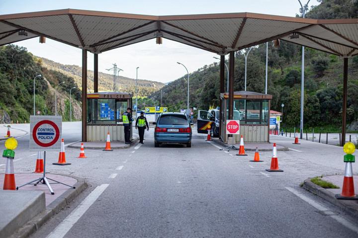 Június közepéig biztosan zárva tartja határait Franciaország