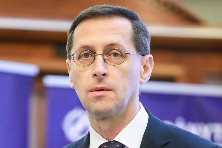 Varga Mihály: A munkahelyek megőrzése az egyik legfontosabb feladat