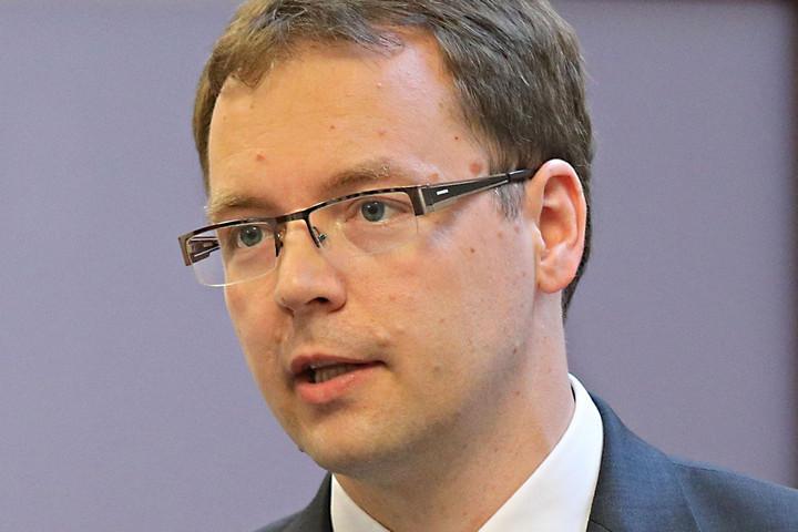 Izer Norbert: Speciális adómentességgel támogatja a kormány az adományozást