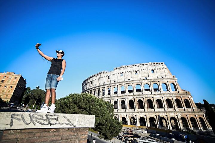 Újranyit a Colosseum és a Vatikáni Múzeum