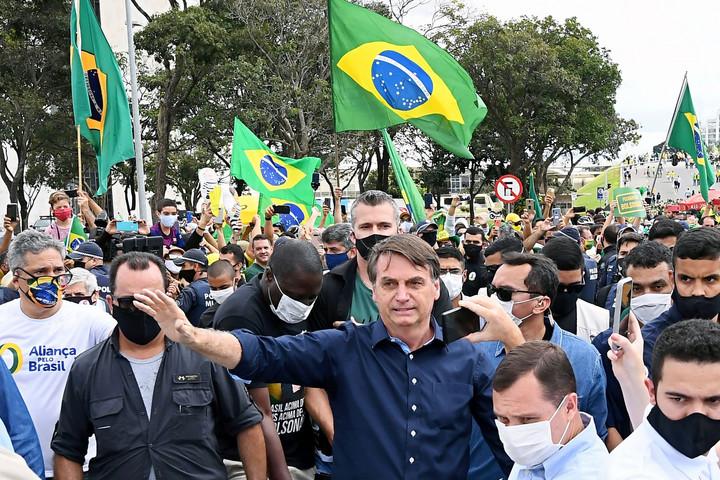 Jair Bolsonaro furcsa rendőrségi ügyei és koronavírus-tagadása