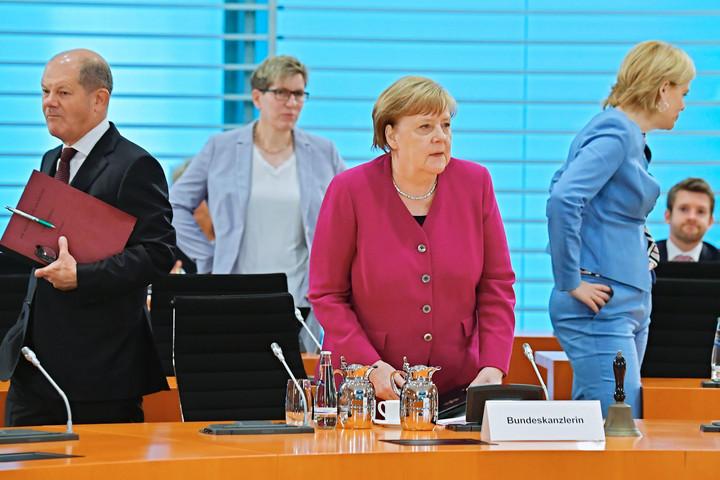 Messze még a járvány vége Merkel szerint