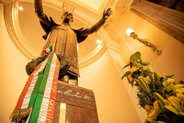 """""""Tisztelettel adózunk Szent II. János Pál pápa emlékének"""""""