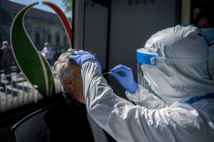 Tovább csökkent az aktív koronavírus-fertőzöttek száma