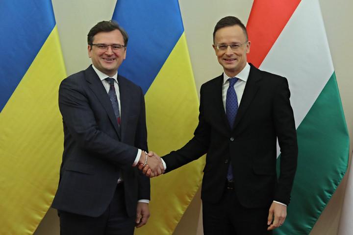 Szijjártó: Magyarország és Ukrajna meg akarja oldani a vitákat