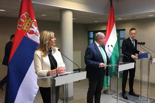 Megnyílik a magyar-szerb határ