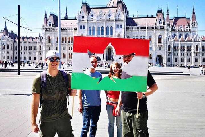 Már annyira magukénak érzik Ferencvárost a kétfarkúak, hogy átrajzolták a címerét