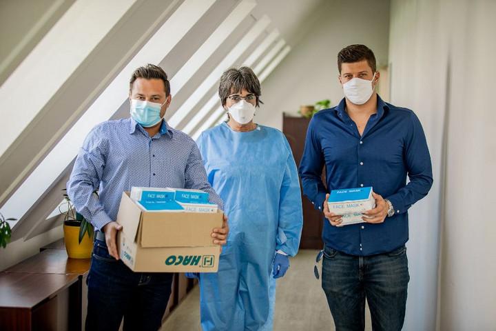 Gyurta Dániel több ezer maszkkal segíti a magyar kórházakat