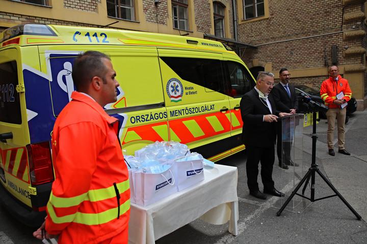 UVC-lámpákat tesztelnek a mentők