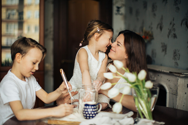 Online kerekasztal-beszélgetés családbarát szellemben