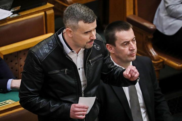Újabb Jobbik-lépés a baloldal felé