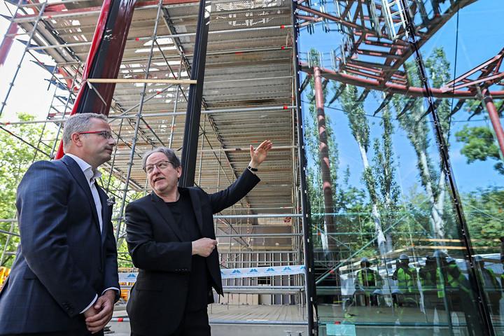 Épül a Magyar Zene Háza  különleges üvegfala