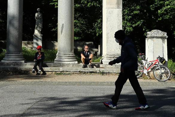 Olaszországban újra megteltek az utcák