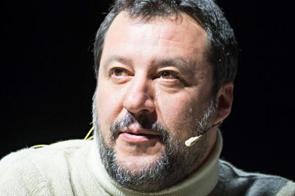 Megtiszteltetés Salvini számára Soros támadása