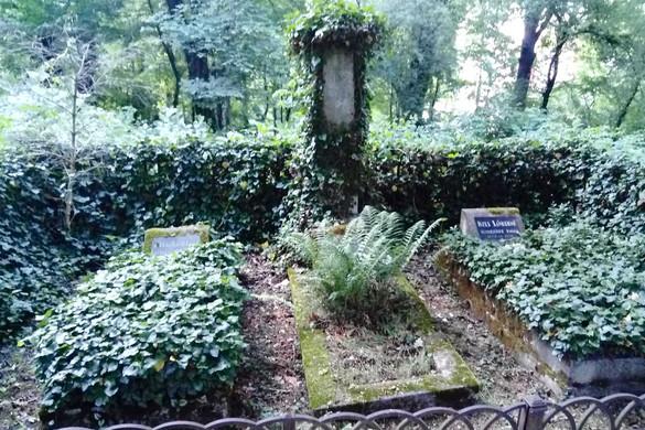 A losonci temetőben nyugszik első modern regényünk szerzője