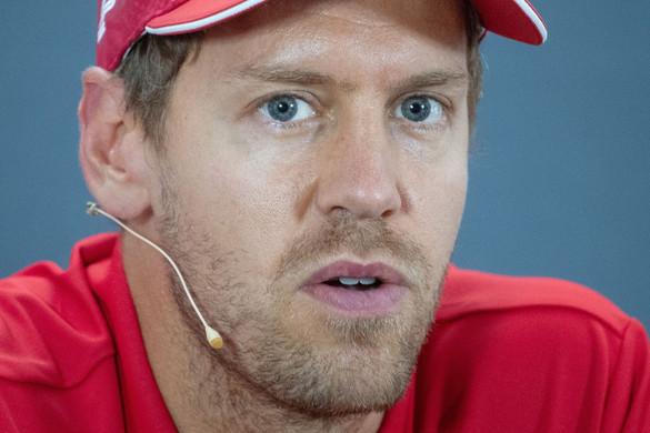 """Vettelt meglepte, hogy a Ferrari """"nyugdíjazta"""""""