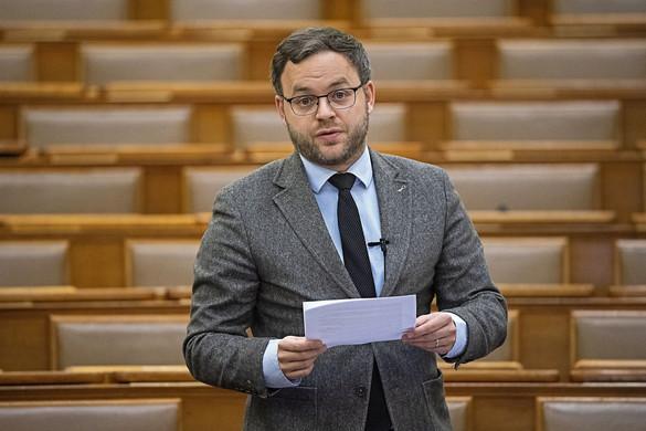 Orbán Balázs: A Lánchíd felújításához szükséges összeg hatszorosa van Budapest számláján