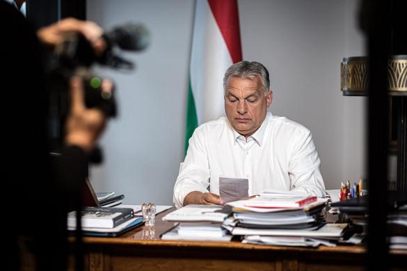 Az ápolókat köszönti Orbán Viktor