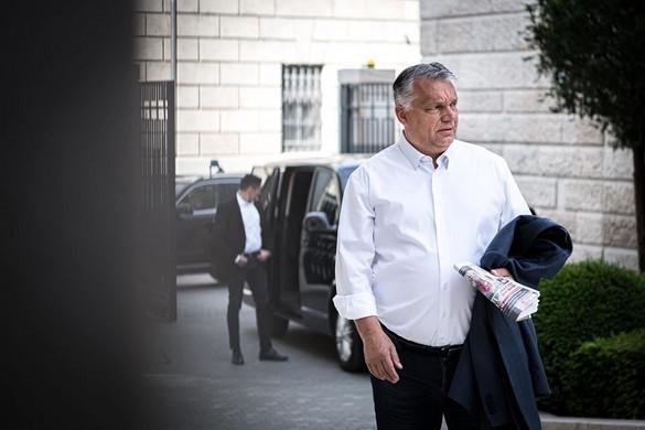 Orbán Viktor az orvostudomány vezető szakembereivel egyeztetett