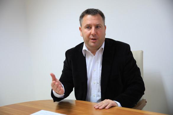 Láng Zsolt: Hatalmas összegeket zárolt érthetetlen módon a főpolgármester