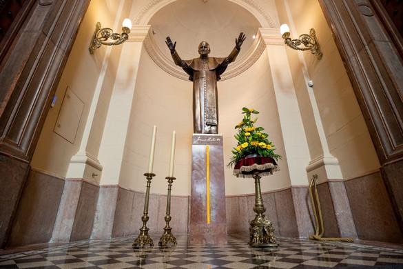 Szobrot állítottak a bazilikában Szent II. János Pál pápának