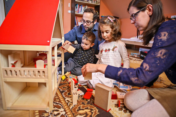 Beneda: Évente 80 ezer családot érint a csecsemőgondozási díj