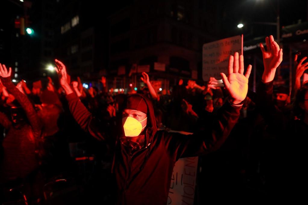 Megmozdulások zajlanak a rasszizmus és a rendőri erőszak ellen