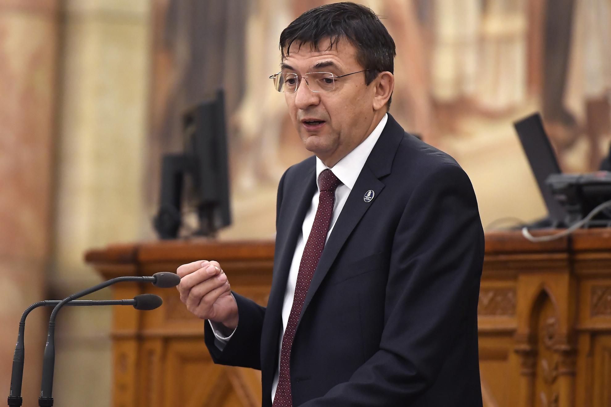 Domokos László az Állami Számvevőszék elnöke felszólal a Magyarország 2021. évi központi költségvetéséről szóló javaslat általános vitájában az Országgyűlés plenáris ülésén