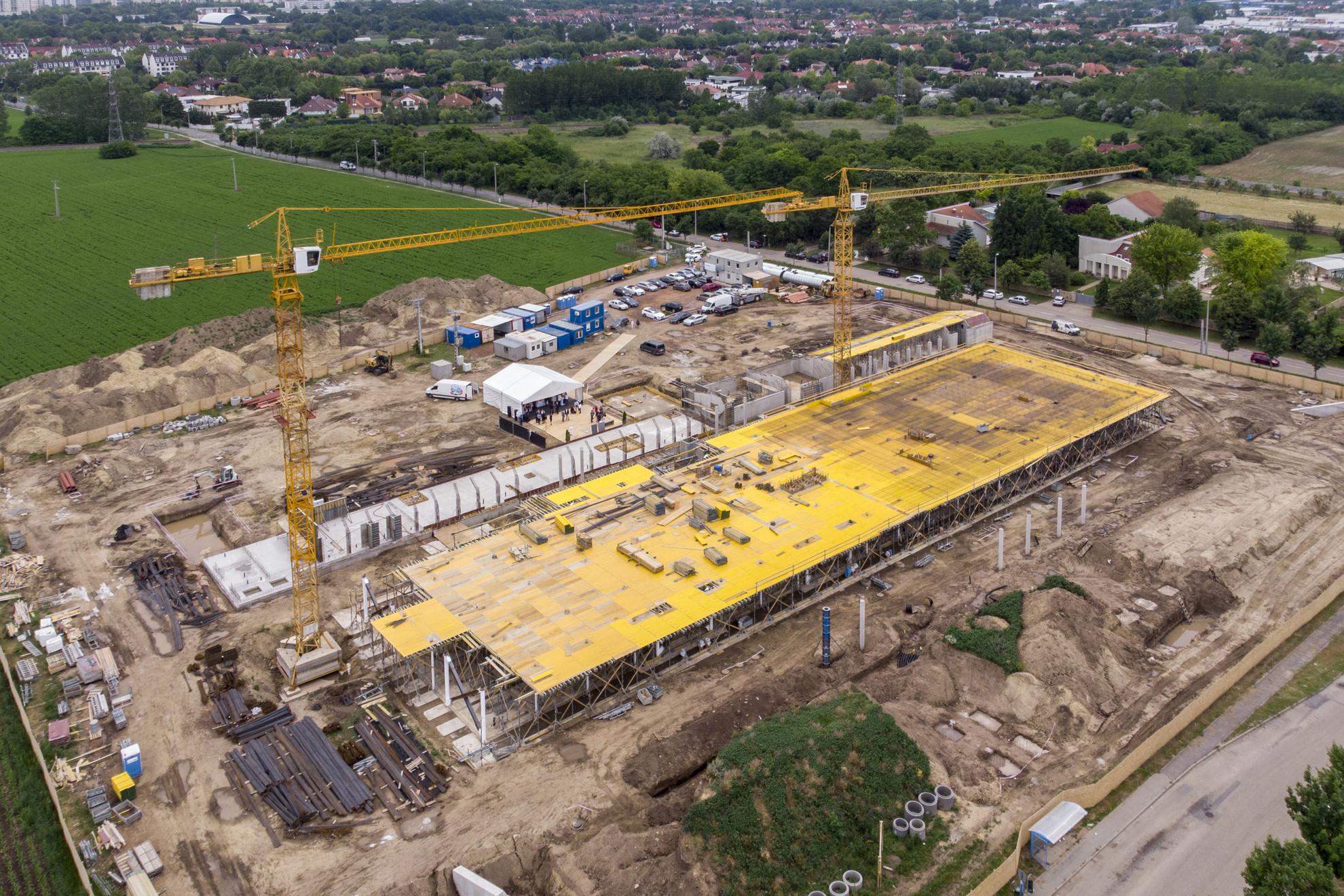 A Debreceni Egyetem épülő innovációs központja a Vezér utcai Egyetemi Ipari Parkban az alapkőletétel napján