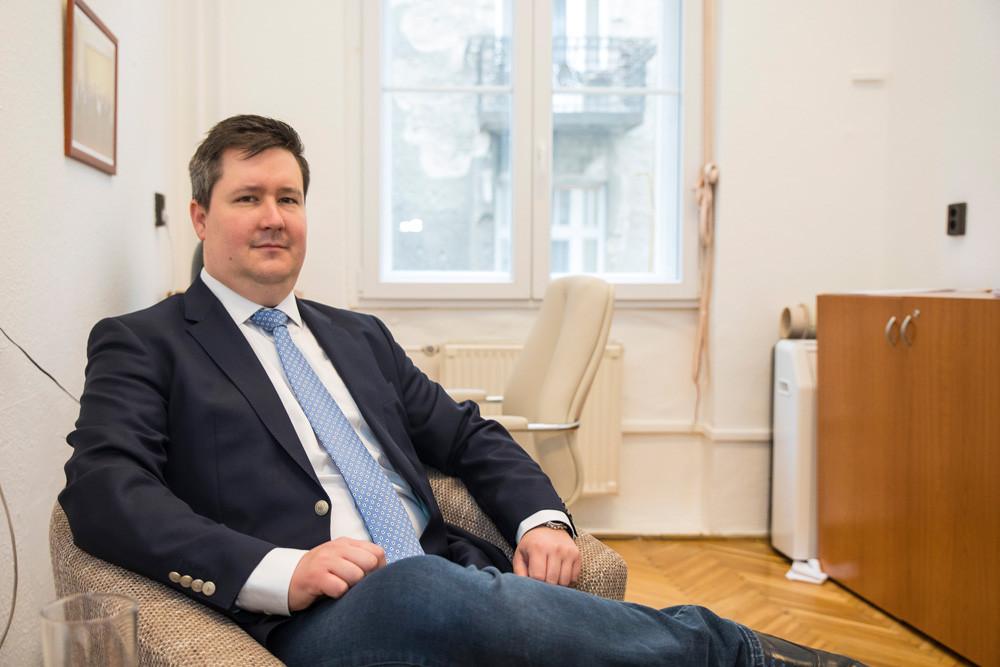 """""""A helyi Fidesz–KDNP ezzel szemben több ezer időssel tartotta a kapcsolatot, rengeteg rászorulónak szerveztük meg az ellátását"""""""