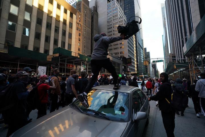 Már halálos áldozatai is vannak az amerikai tüntetéseknek