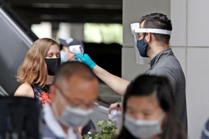 Világszerte csaknem ötszázezer halálos áldozata van a koronavírusnak
