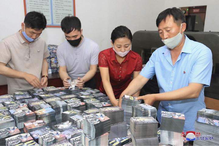 Észak-Korea 12 millió propagandaröplapot szór szét Dél-Korea felett