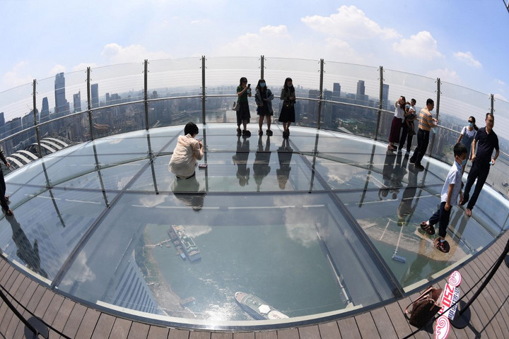 Vízszintes felhőkarcoló Kína legújabb látványossága