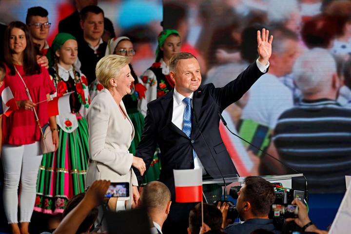Andrzej Duda nyert, de nem lehet nyugodt