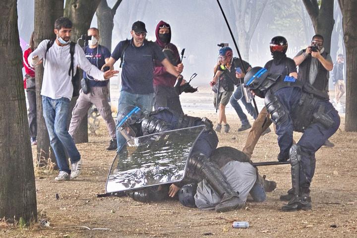 Mélyponton a francia rendőrség