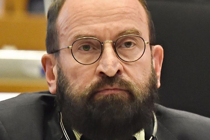 Szájer: Megharcoltunk a jogállamiságunkért