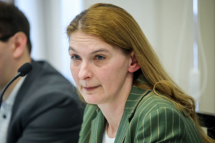 Fidesz: Baranyi Krisztina ajánlja fel éjszakára az önkormányzat parkolóhelyeit