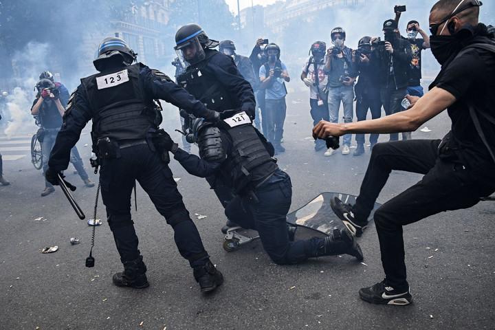 Anarchista tombolás