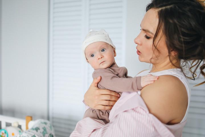 A juttatást már igénybe vevőknek is emelkedik a csecsemőgondozási díj összege júliustól